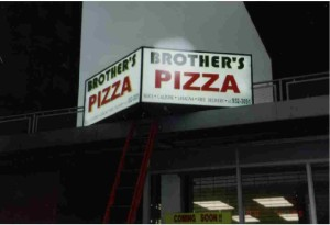 lightbox_pizza_brothers